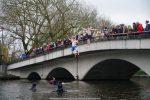 NieuwsjaarsduikParijse brug 180101-016