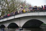 NieuwsjaarsduikParijse brug 180101-029