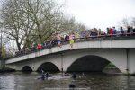 NieuwsjaarsduikParijse brug 180101-049